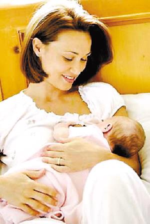 母乳喂养宝宝也需要赐多利奶粉
